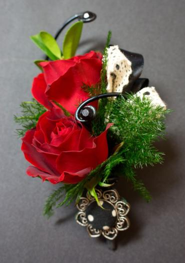 Floral Classics Special Boutonniere (1)
