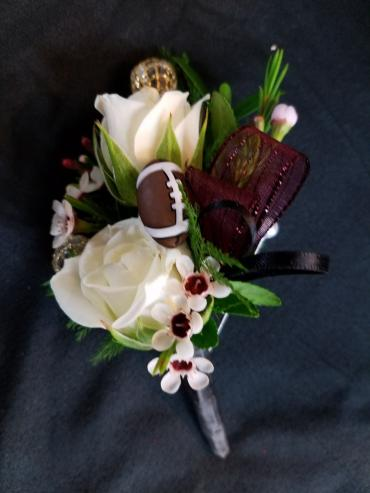 Floral Classics Special Boutonniere (2)