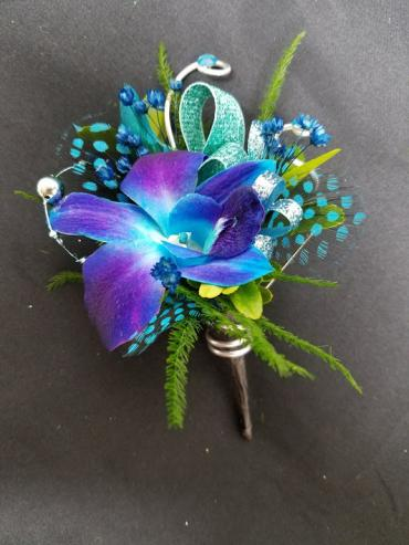 Floral Classics Special Boutonniere (3)